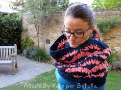 petali crochet scarf