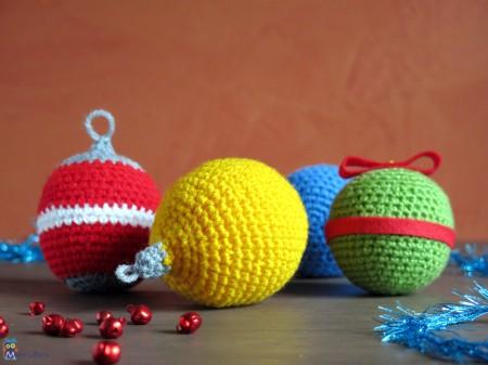 xmas crochet balls
